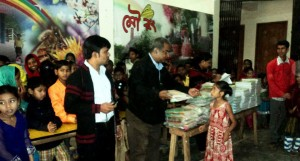 mourong-book-distribution